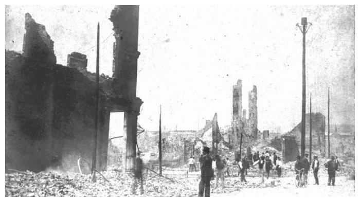 Reruntuhan kota akibat kebakaran 3 Mei 1901