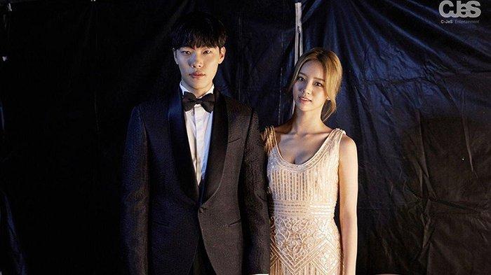 Ryu Jun Yeol dan Lee Hyeri yang menjalin hubungan asmara dari Agustus 2017 hingga sekarang masih langgeng.