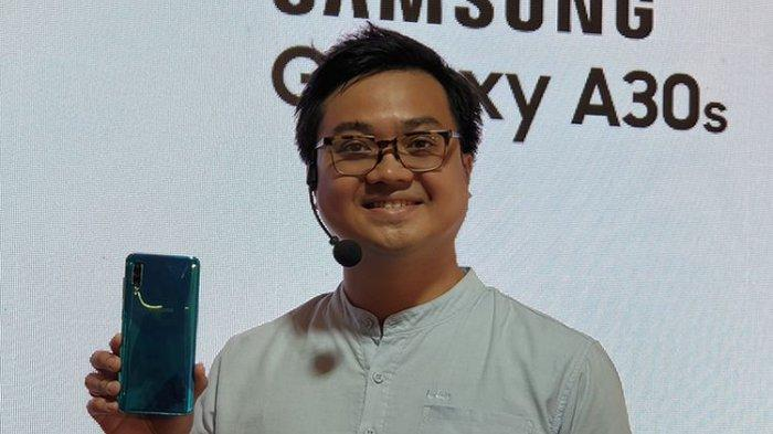Irfan Rinaldi, Product Marketing Manager Samsung saat peluncuran duo Galaxy A20s dan Galaxy A30s di Jakarta, Kamis (26/9/2019)