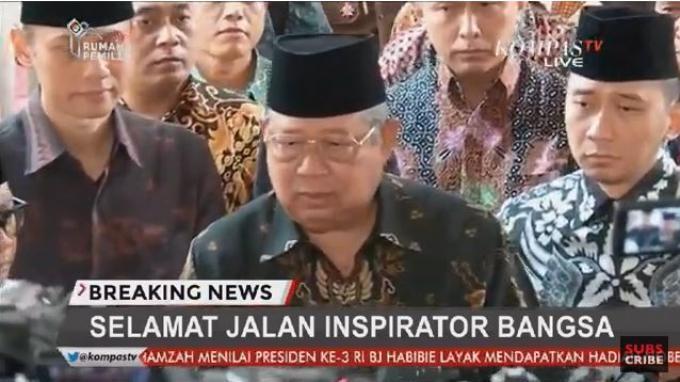 SBY ketika memberikan keterangannya setelah melayat mendiang BJ Habibie di Jalan Partra Kuningan, Jakarta Selatan, Kamis (12/9/2019).(Kompas TV)