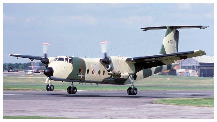 Sebuah DHC-5 Buffalo mirip dengan yang dipakai tim nasional sepak bola Zambia