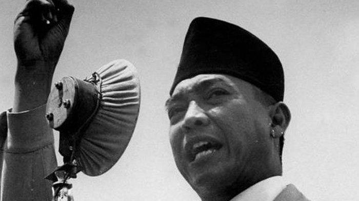 Presiden RI yang pertama, Ir. Soekarno.JELANG 17 AGUSTUS - Cara Bung Karno hingga Diakui Dunia sebagai Orator Ulung: Selalu Panjatkan Doa.