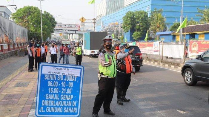Sosialisasi ganjil-genap di Jalan Gunung Sahari, Jakarta Utara, Rabu (5/8/2020)(Sudin Kominfotik Jakarta Utara)