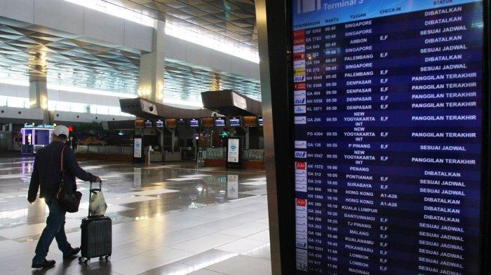 suasana-arena-terminal-3-bandara-soekarno-hatta-terlihat-lengang.jpg