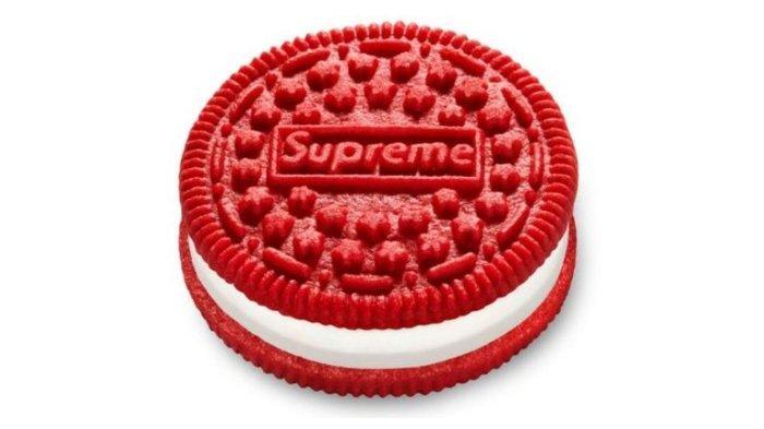 supreme-oreo-berwarna-merah-dibanderol.jpg