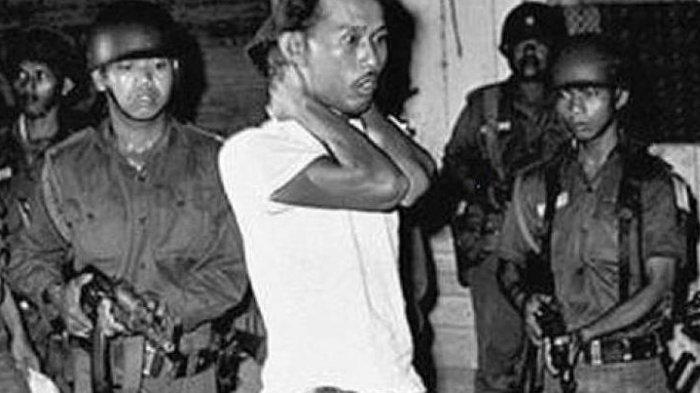 Orang-orang PKI dan yang dianggap sebagai PKI ditangkap oleh tentara. Sebagian ada yang dieksekusi warga, sebagian melarikan diri.