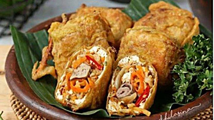 Gehu adalah jenis gorengan tahu isi dari Bandung, Jawa Barat.