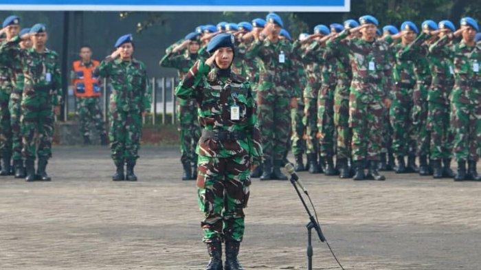 Hari Ibu 2019 diperingati oleh warga Mabesau dalam sebuah upacara militer, dengan Inspektur Upacara (Irup) Koordinator Staf Ahli (Korsahli) Kasau Marsekal Muda (Marsda) TNI Yadi Indrayadi M.S.S, di Mabesau Cilangkap Jakarta Timur, Senin (23/12/2019).