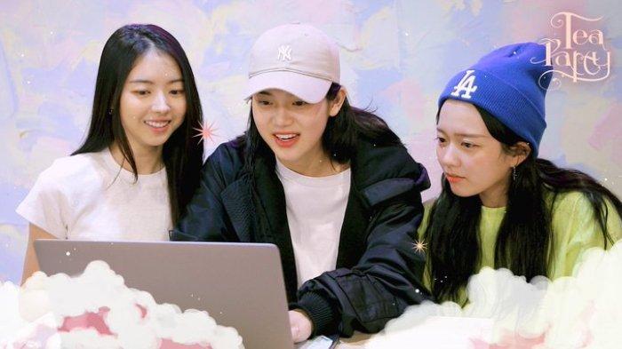 Grup TEA PARTY dalam drama Imitation