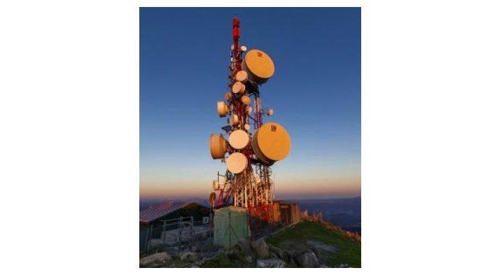 Tempat Iberia Airlines Flight 610 menabrak antena tv