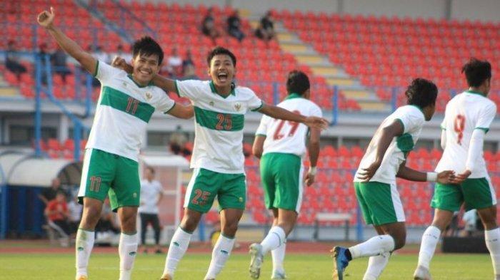 ILUSTRASI - Para pemain Timnas U19 Indonesia melakukan selebrasi usai mencetak gol ke gawang Qatar, Kamis (17/9/2020).