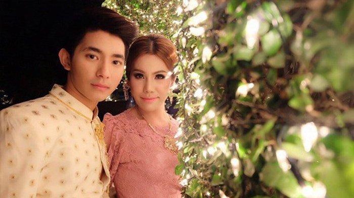 Bow bersama suaminya (Eva.vn)