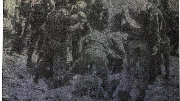 Usaha pengangkatan jenazah para perwira militer Angkatan Darat