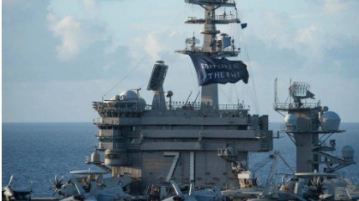 ILUSTRASI - Foto kapal induk USS Theodore Roosevelt pada 3 Juni 2020 di Laut Filipina. Foto: AFP