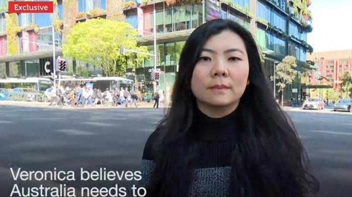 DPO Veronica tampil di SBS TV Australia. SBS TV kerap menyiarkan konflik dan kerusuhan di Papua. Veronica Koman seperti Nantang Polri, Jadi DPO, Malah Muncul di TV Australia: Saya Tak Akan Berhenti.