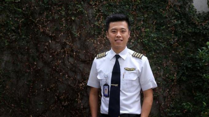 Vincent Raditya adalah seorang pilot maskapai penerbangan sekaligus YouTuber