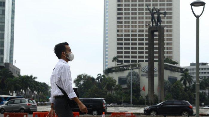 warga-beraktivitas-menggunakan-masker-di-kawasan-bundaran-hi-jakarta-terkait-coroba.jpg