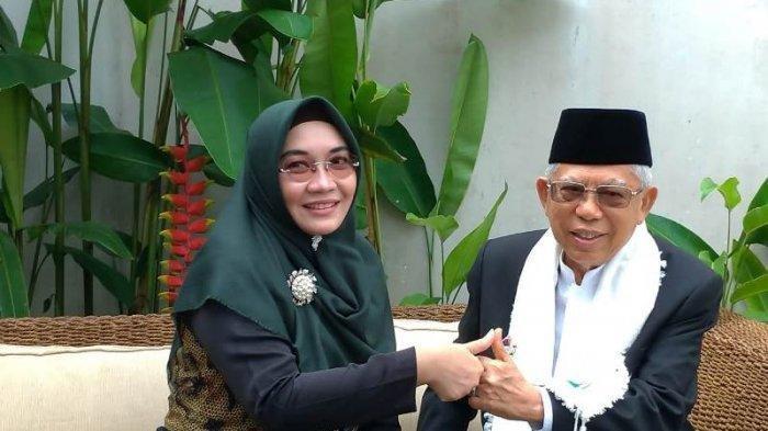 KH Ma'ruf Amin didampingi istrinya, Wury Estu Handayani, ketika berkampanye keliling Indonesia.