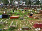 acara-dangdut-di-kuburan.jpg