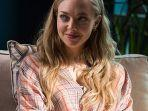 amanda-seyfried-dalam-fathers-daughters-2015-1.jpg