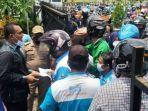 Viral Suami Istri Anggota DPRD Bagi Uang ke Ratusan Karyawan ter-PHK saat Demo Buruh di Pekalongan