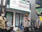 Cabut Atribut FPI,  Gabungan dari Kepolisian dan TNI Jakarta Pusat Datangi Jalan Petamburan III