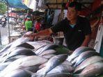 Banyak Penjual Ikan Bandeng Musiman Setiap Menjelang Imlek di Jakarta, Begini Penjelasannya