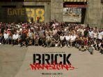 brick-mansions-staffs-and-actors.jpg