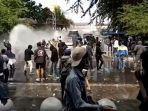 Tolak UU Cipta Kerja, Massa Demonstrasi #JogjaMemanggil Bentrok dengan Aparat