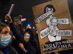 demonstrasi-di-polandia-tentang-aborsi-2.jpg