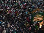 Belum Pernah Terjadi dalam Sejarah Thailand, Puluhan Ribu Mahasiswa Demo Tuntut Reformasi Monarki
