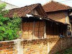 Akses Jalan Masuk Rumah Ditutup Tembok Setinggi 1 Meter oleh Tetangga, Hanya Gara-gara Tahi Ayam