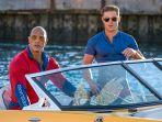 dwayne-johnson-and-zac-efron-in-baywatch-2017.jpg