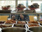 Hukum Buka Warung Makan pada Siang Hari saat Ramadhan, Berikut Penjelasannya