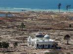 Hari Ini dalam Sejarah: Bangunan Lain Hancur, Masjid Rahmatullah Masih Kokoh saat Tsunami Aceh