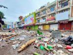 gelombang-tinggi-melanda-kota-manado-7-sampah-plastik.jpg