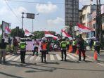 Semua Pengendara Berhenti, Ini Momen Peringatan Detik-Detik Proklamasi di Jalanan Kota Depok