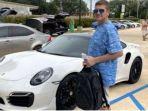 Pria Ini Berhasil Gunakan Cek Bank Palsu untuk Beli Mobil Porsche, Akhirnya Ketahuan dan Ditangkap
