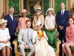 keluarga-kerajaan-inggris-saat-pembaptisan-archie.jpg