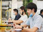 4 Tips Mudah Pakai Masker saat Makan di Restoran
