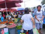 Tak Patuhi Protokol Kesehatan, Pedagang di Pasar Mardika Ambon: Corona Sudah Selesai
