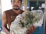 Temukan Bongkahan Batu saat Cari Sampah di Pantai, Pemulung Ini Kaget Tahu Harganya Rp 9 Miliar