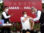 Presiden Jokowi Disuntik Vaksin Covid-19, Tangan Dokter Sempat Gemetar