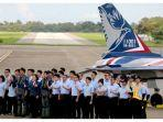 presiden-taiwan-tsai-ing-wen-keenam-dari-kiri-berpose-bersama-para-pilot.jpg