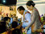 Raja dan Ratu Thailand Turun ke Jalan, Sapa Para Loyalisnya Setelah Berhari-hari Demo Anti-Monarki