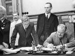 Hari Ini Dalam Sejarah: 23 Agustus Jerman-Uni Soviet Menandatangani Pakta Molotov-Ribbentrop