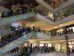 suasana-midnight-sale-di-mal-grand-indonesia.jpg