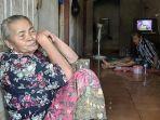 Tinggal di Tengah Miliader Dadakan di Tuban, Tarsimah Tetap Hidup Miskin, Cuma Bisa Andalkan Bantuan