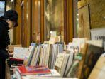 Prancis Longgarkan Pembatasan Jelang Natal, Toko Barang Non-Esensial Mulai Buka di Paris