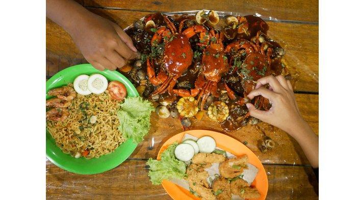 Serunya Makan Kepinting Tanpa Piring Ala Teras Pakcoy Pekanbaru